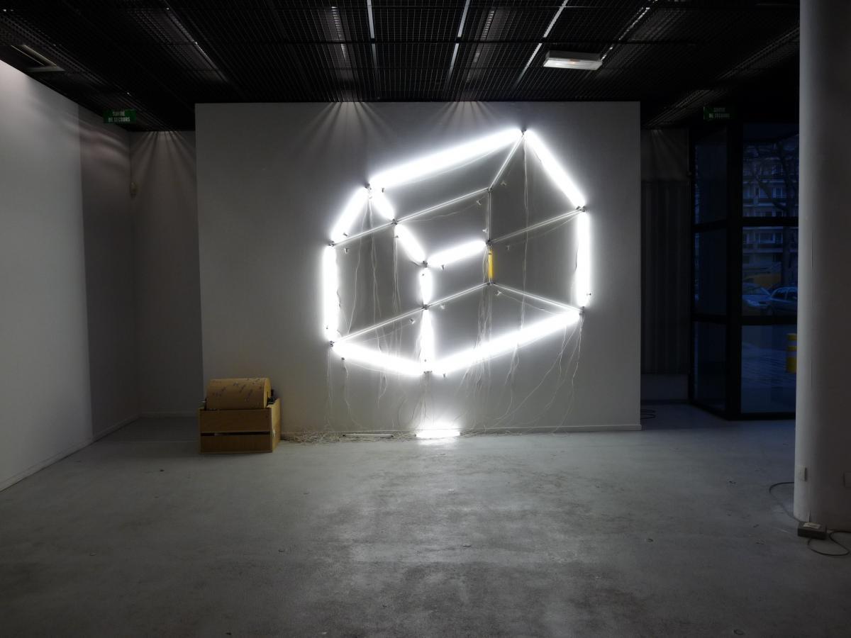"""Vue de l'exposition """"Soustraction"""" au Havre en 2009"""